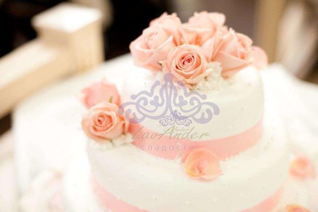 Неизменный атрибут свадебного торжества – торт
