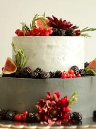 Серый свадебный торт