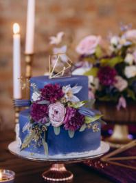 Свадебный торт Ультра фиолетовый