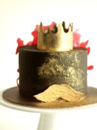 торт с усами и короной