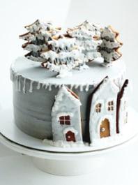 Торт новогодний дом